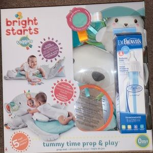 Tummy time prop and play and dr brown bottle